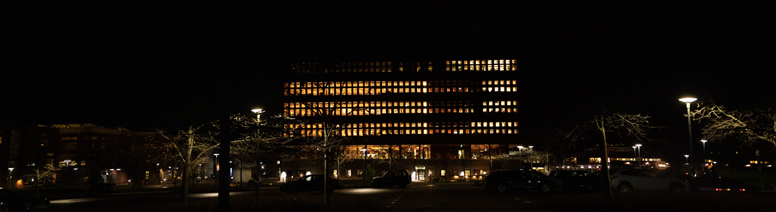 Studenthuset by night.